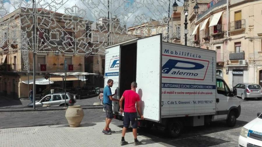 Mineo L Iniziativa Della Ditta Palermo Style Mobili Sociale 20